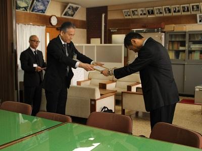 陸上競技部・アーチェリー部 2024滋賀国体強化拠点校指定証授与