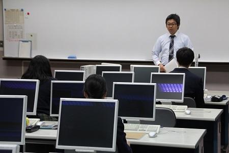 第2学年総合ビジネス科Ⅱ類 日本商工会議所主催簿記検定2級対策講座